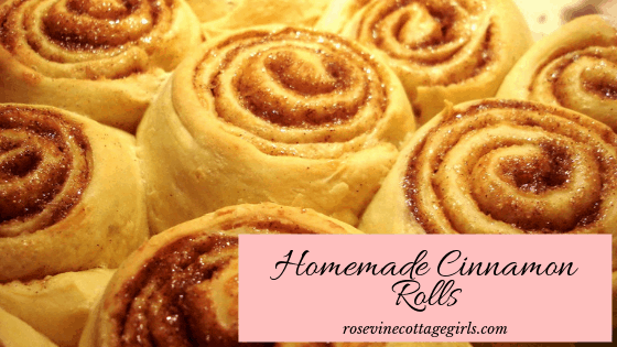 Photo of a pan full of cinnamon rolls | how to make fluffy homemade cinnamon rolls | photo of a tray of cinnamon rolls | how to make cinnamon rolls | Cinnabon Cinnamon Rolls | rosevinecottagegirls.com