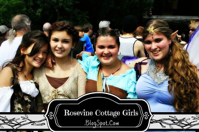 Tennessee Renaissance Festival | four girls dressed up for the renaissance festival