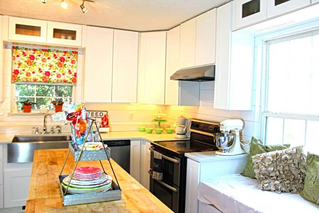 Gorgeous summer white farmhouse kitchen by the Rosevine Cottage Girls