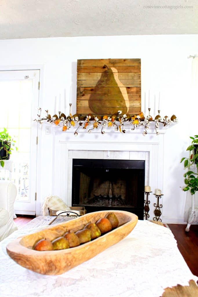 Gorgeous rustic fall farmhouse style pear decor #RosevineCottageGirls
