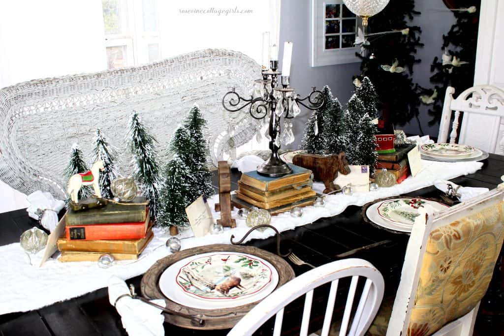 beautiful centerpiece for Christmas table