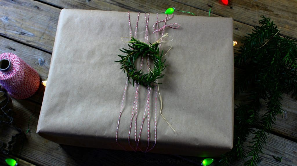 gift wrapping with ribbon